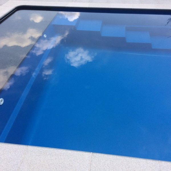 Piscines cube leisure pools for Piscine leisure pools