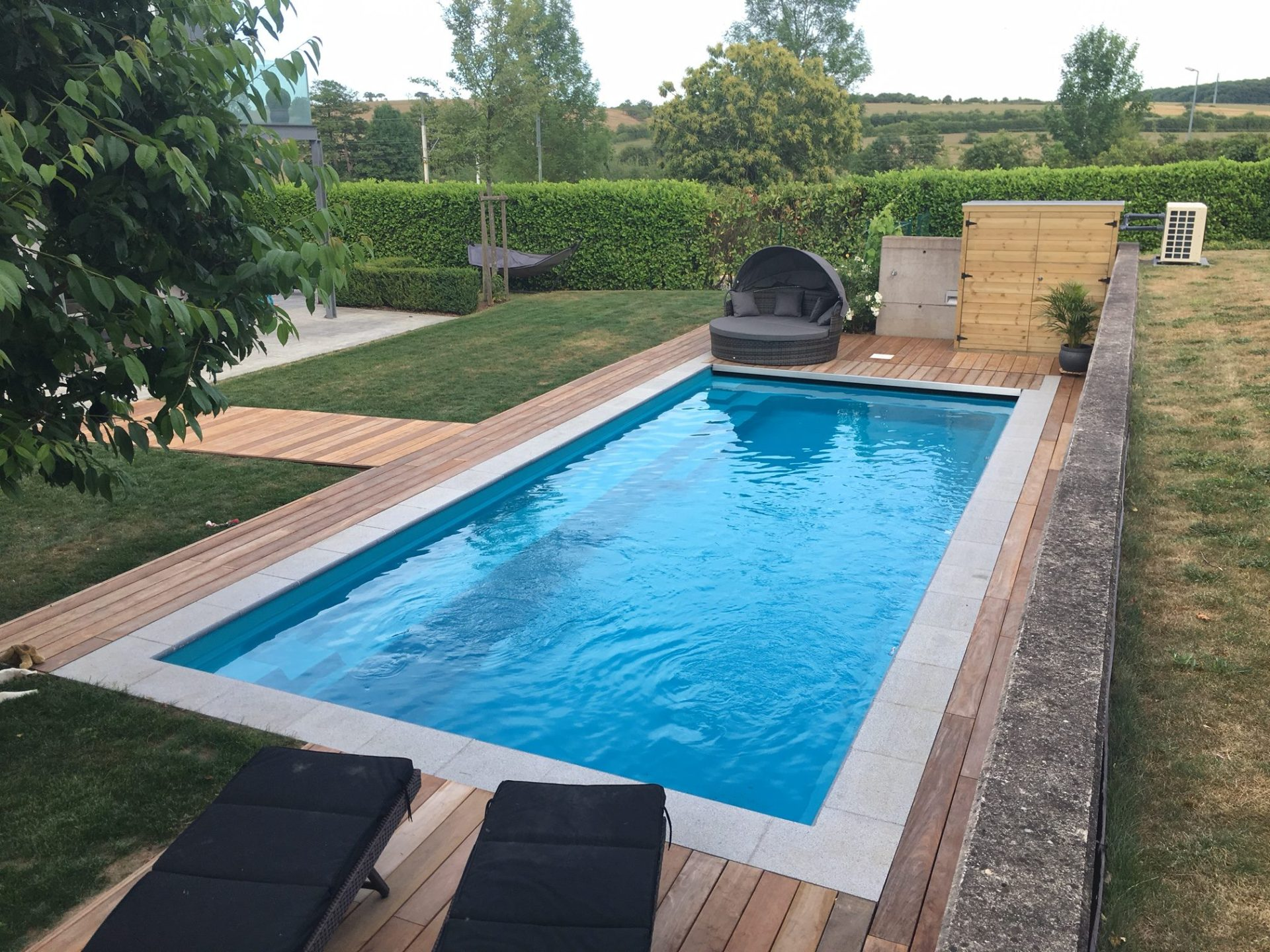 Reflection 9 crystal blue leisure pools for Construction piscine limoges