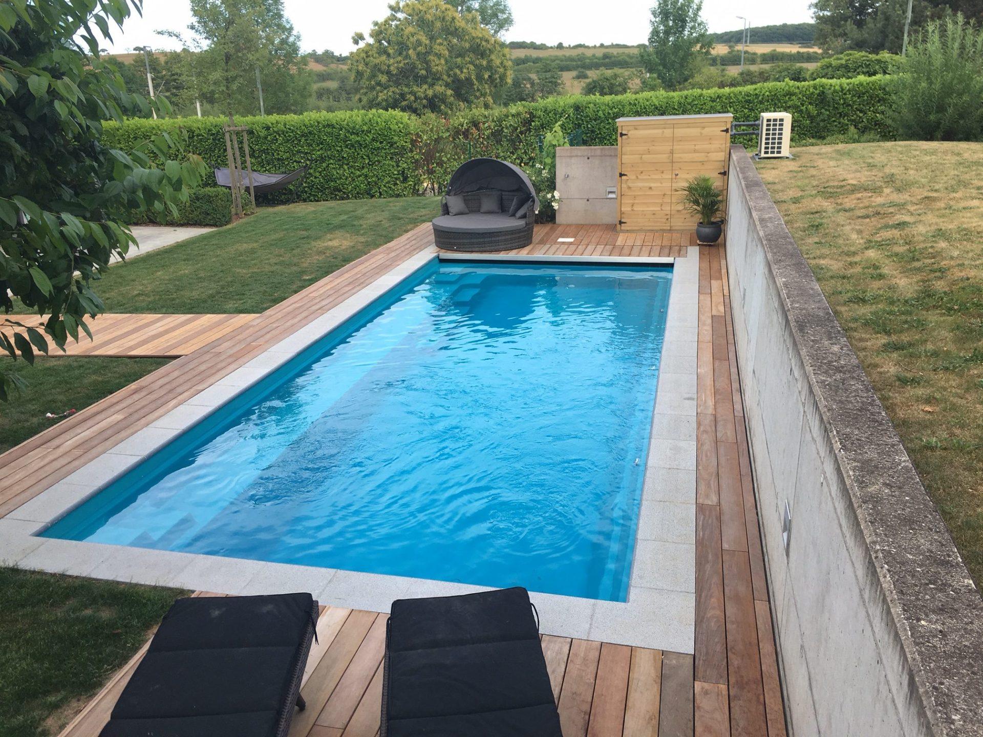 Reflection 9 crystal blue servi pools - Piscine leisure pools ...